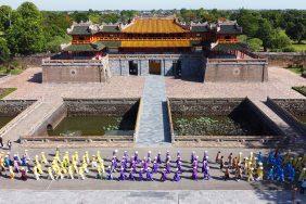Lễ hội áo dài sắp diễn ra bên bờ sông Hương