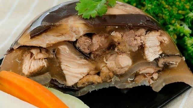 Thịt nấu đông là món ăn truyền thống ngày Tết