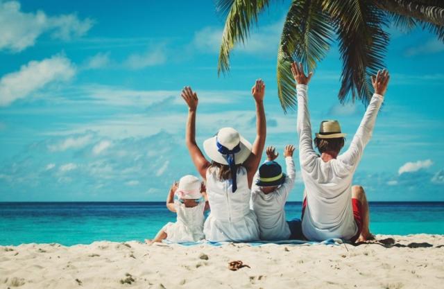 Dùng 3 ngày nghỉ Tết Dương lịch để đi du lịch. Ảnh: Internet