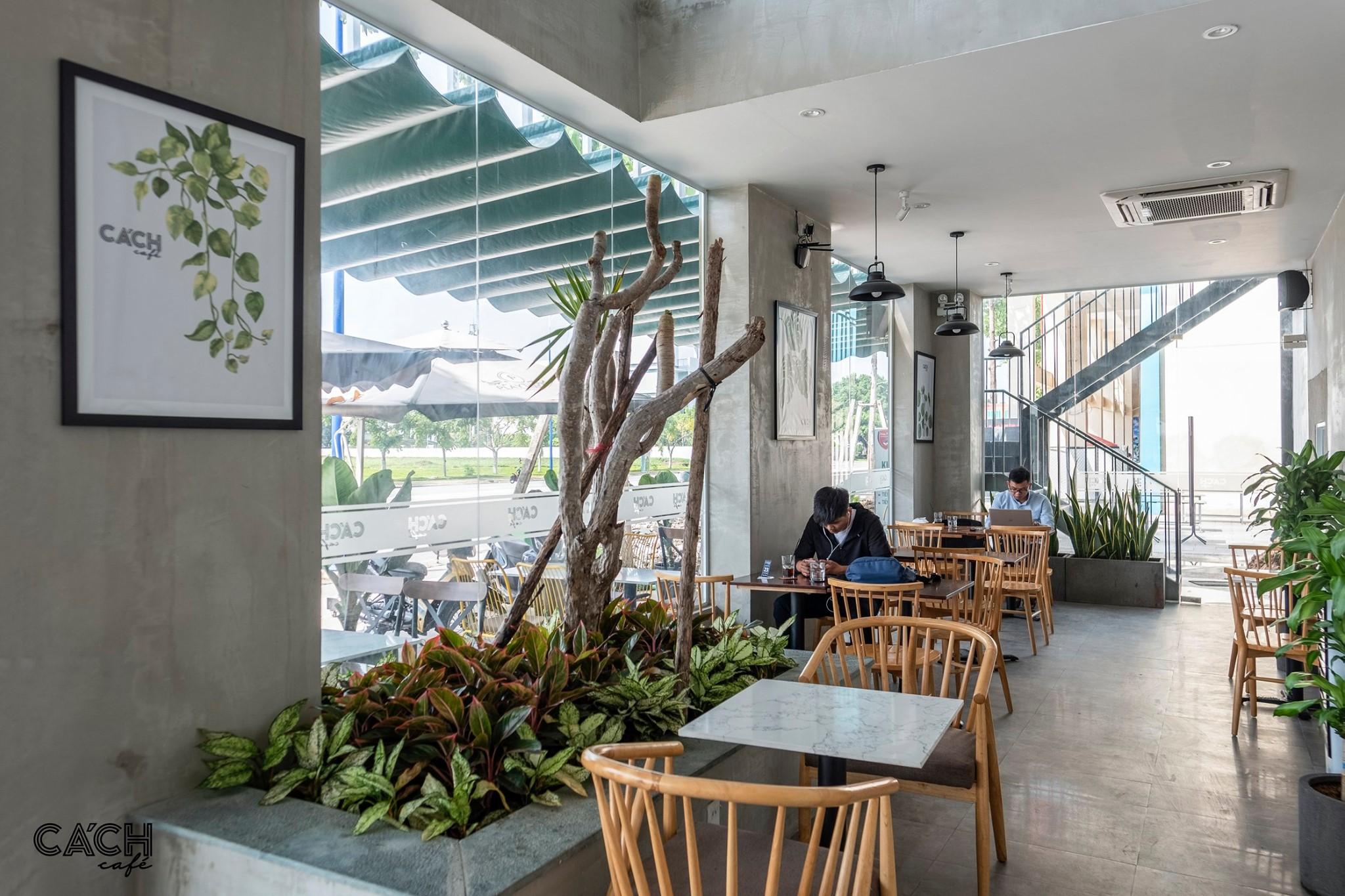 Không gian tầng 1 của Cách Cafe khá thích hợp để làm việc. Hình: Cách Cafe