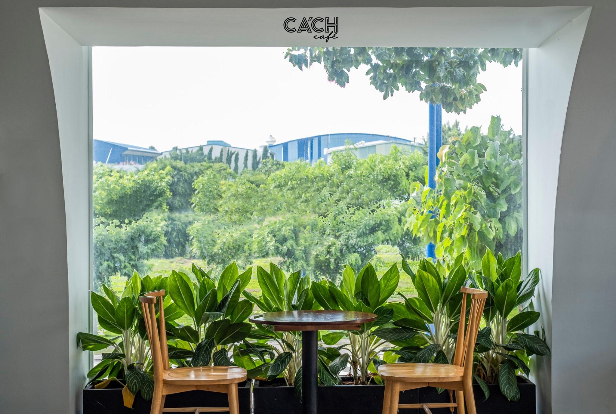 """Một góc cửa sổ siêu """"tình"""" của Cách Cafe. Hình: Cách Cafe"""