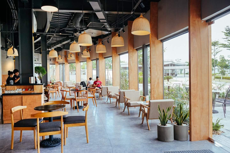 Thiết kế kính trong suốt khiến bạn cảm thấy thư giãn khi đến đây. Hình: Vietnam Projects Construction