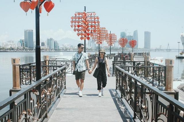 Cầu tình yêu ở Đà Nẵng được các cặp đôi yêu thích. Ảnh: Internet