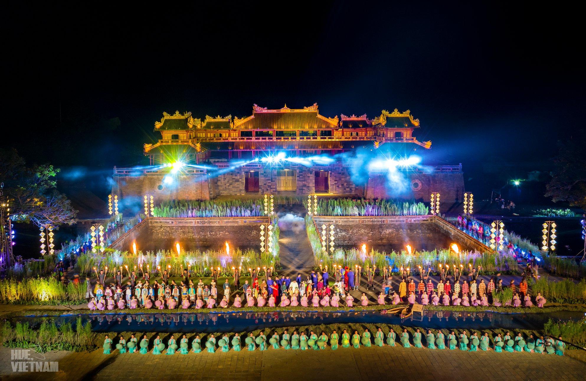 Festival Huế được tổ chức 2 năm một lần. Hình: Hue, truly Vietnam