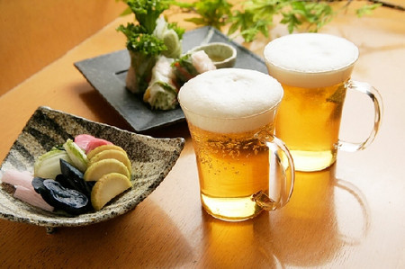 Enjoy fresh and cool beer at Hai Xom Brewery - Photo source: Internet