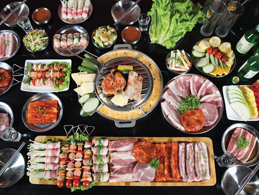 Eating barbecue, drinking soju with a group of fun at Buk Buk - Photo source: Internet