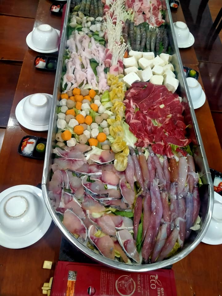 """Super big"" hot pot at Bun Chef - Photo source: Bun Chef 85 Quote Sai"