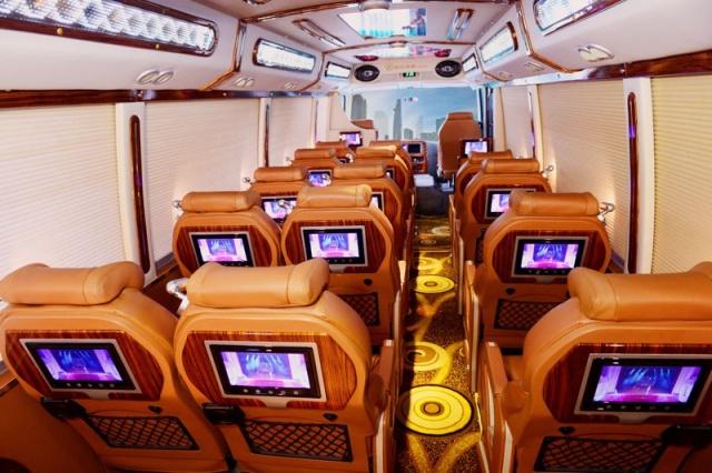 Đi xe Limousine rất thoải mái, tiện nghi. Ảnh: Internet