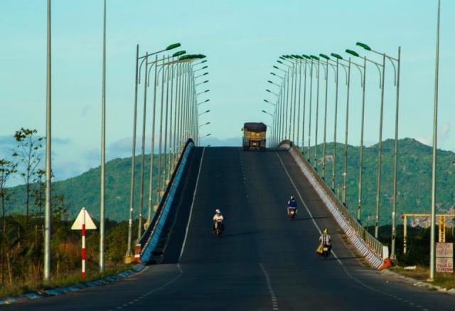 Đường đi Vũng Tàu qua xa lộ Hà Nội, cầu Đồng Nai. Ảnh: Internet