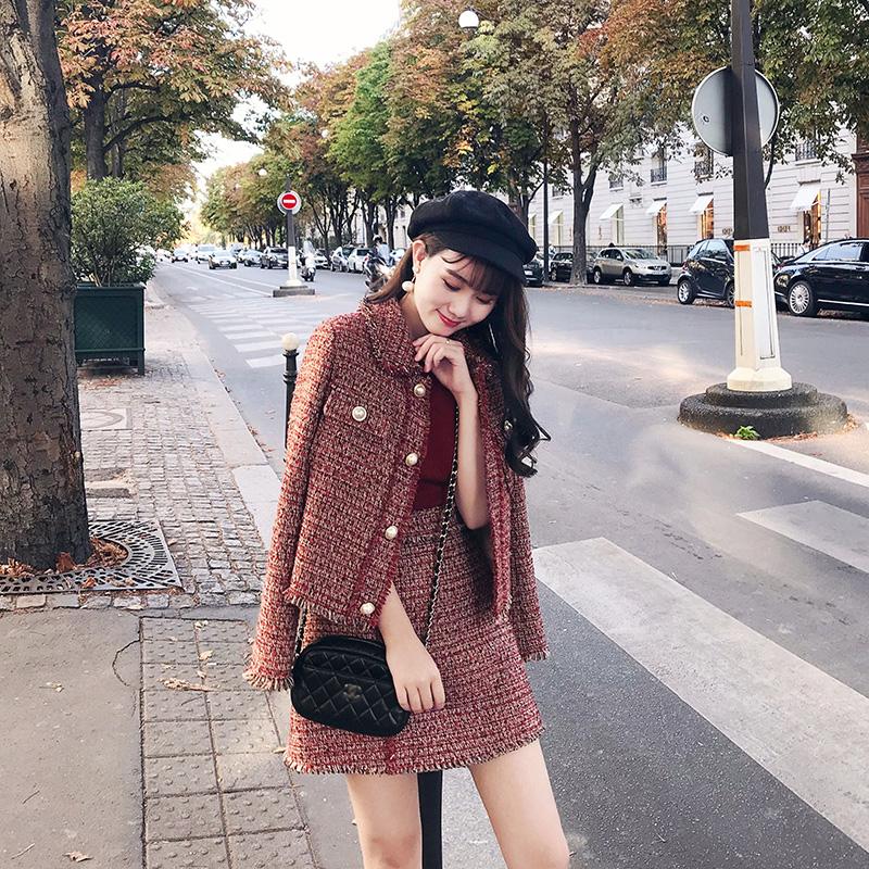 Set áo váy dạ tweed. Hình: Sưu tầm