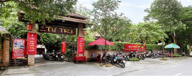 Nhà hàng, quán nhậu sân vườn Tư Trì. Ảnh: Internet
