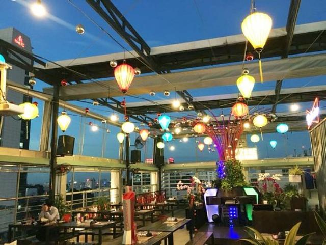 """Quán nhậu siêu """"chill"""" với view sân thượng tại Sài Gòn. Ảnh: Internet"""