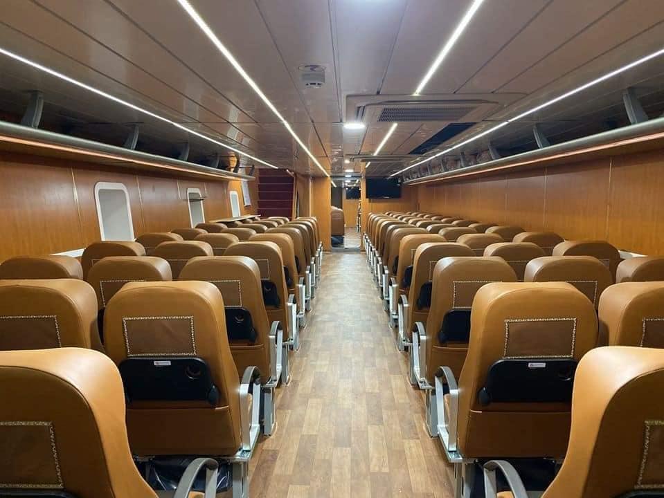Nội thất trên tàu cực sịn xò cho chuyến đi thêm phần thoải mái - Nguồn ảnh: Huong Tran