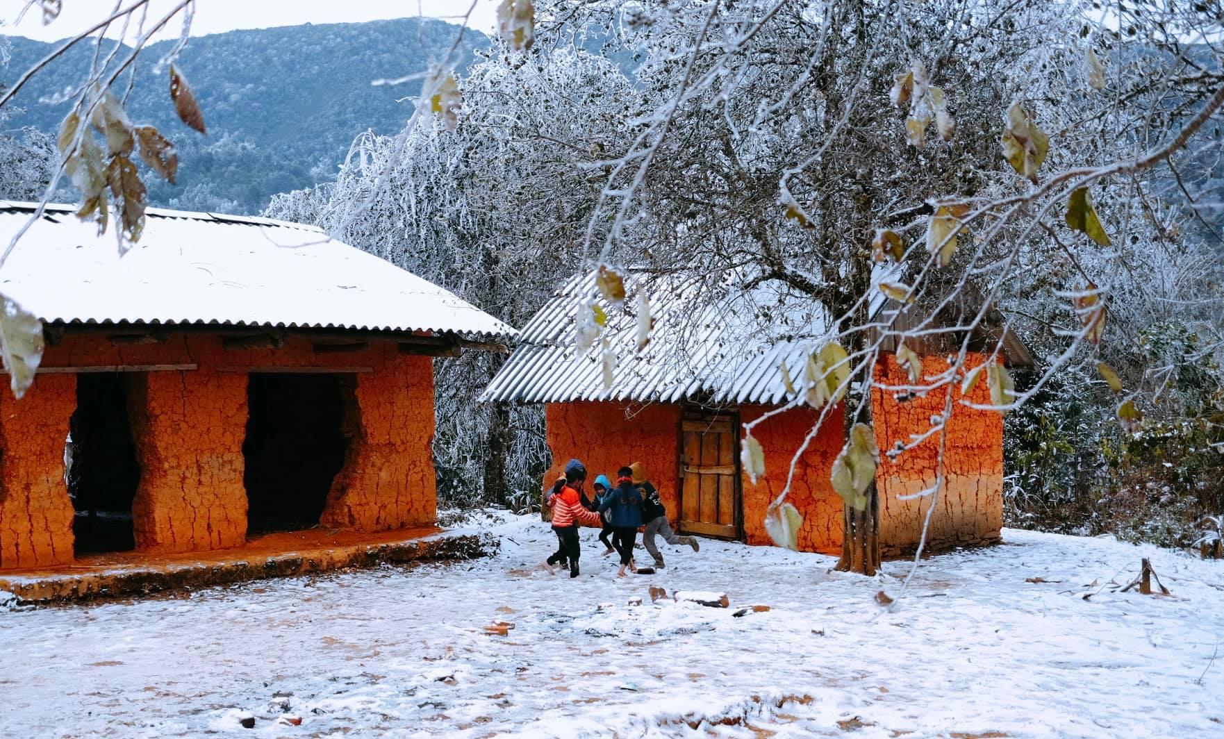 Chiêm ngưỡng cảnh đẹp tuyết rơi Sapa - Nguồn ảnh: Nguyễn Quỳnh Trang Chu