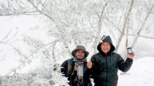 Hình ảnh tuyết rơi trắng xoá ở Nghệ An khiến nhiều người 'phát sốt'
