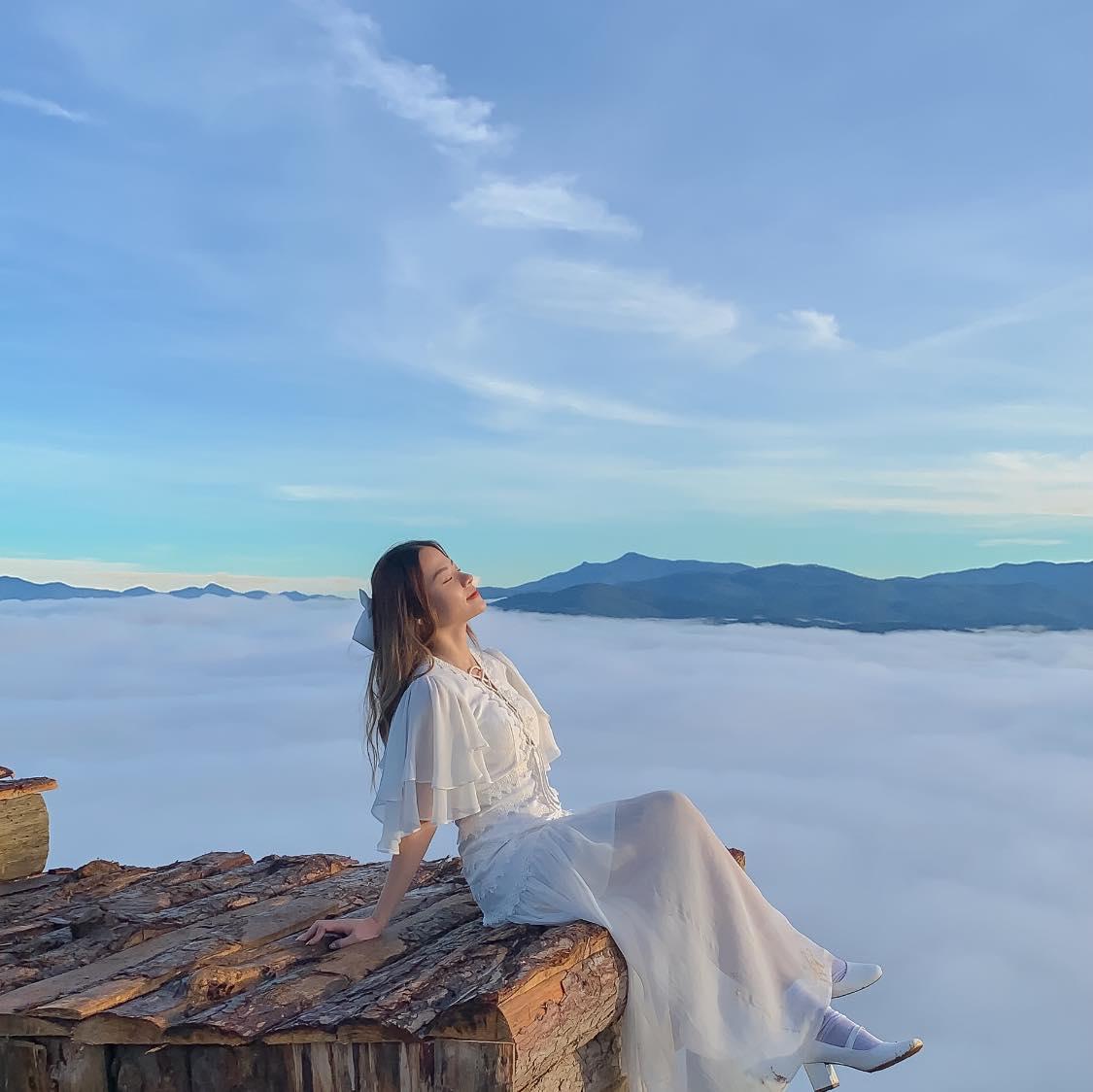 Đà Lạt chìm trong mây. Hình: Tạ Xuân Hương