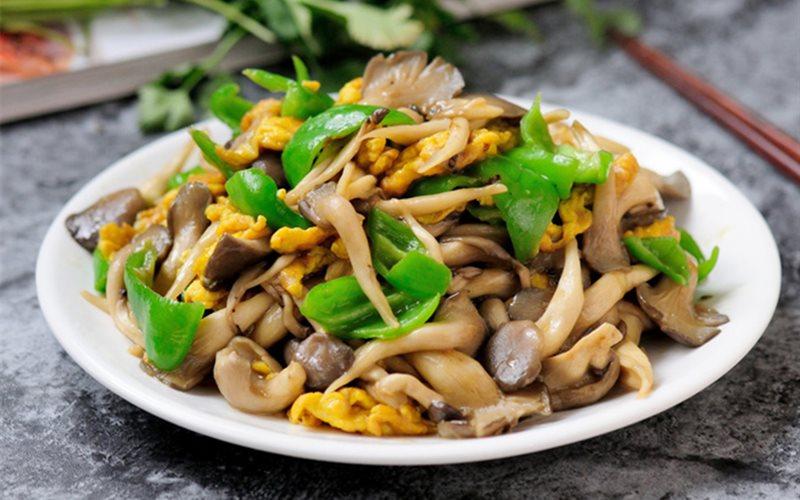 Khi chế biến các món ăn từ nấm, chỉ nên dùng một loại duy nhất chứ không nên dùng lẫn lộn