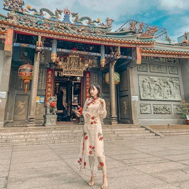 Khai xuân đầu năm ở những ngôi chùa nổi tiếng ở Sài Gòn -Nguồn ảnh: FB Khánh Linh