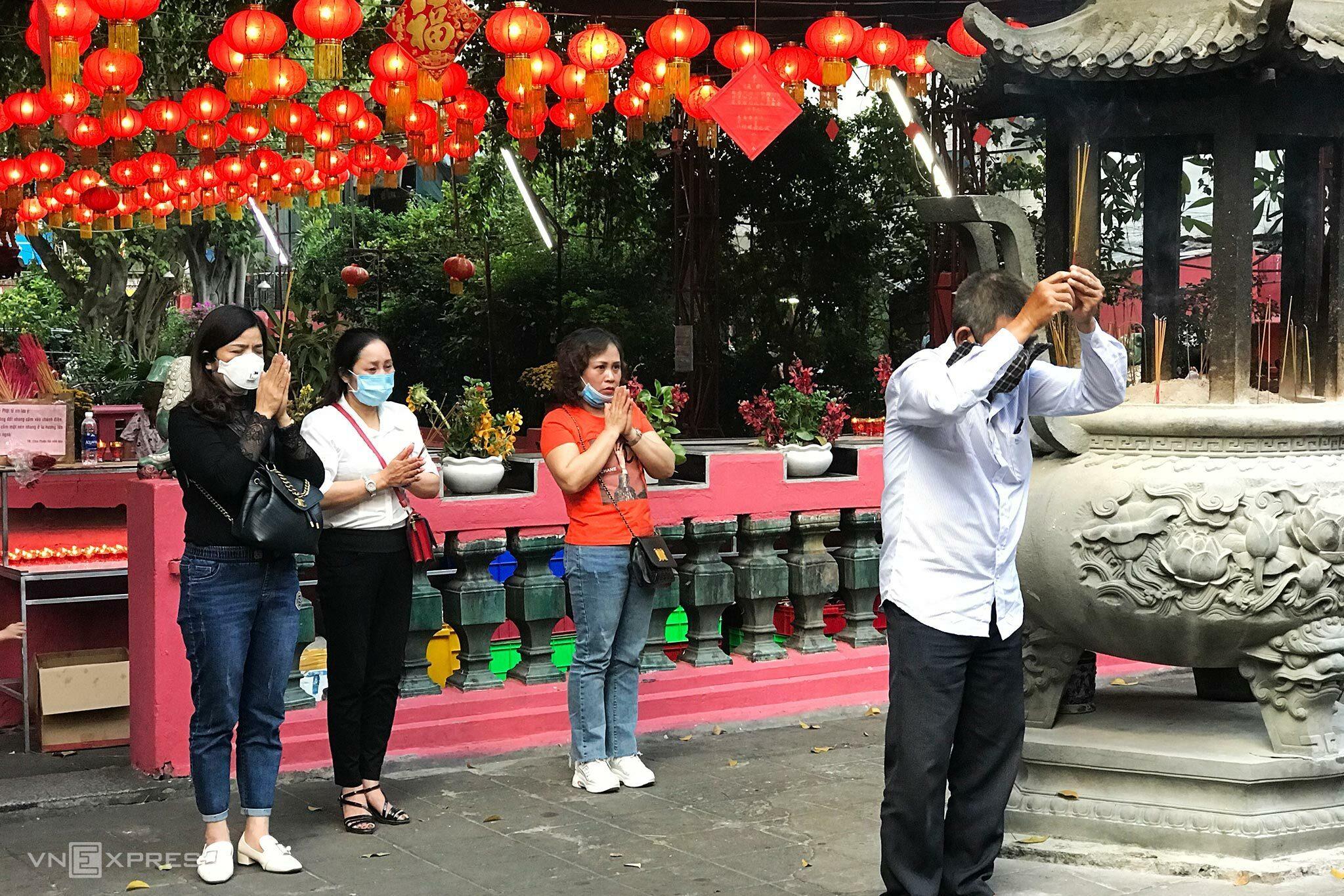 Đi Chùa ở Sài Gòn