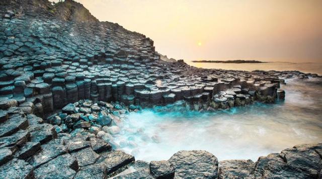 Gành đá đĩa Phú Yên có không gian thoáng đãng, hùng vĩ. Ảnh: Internet