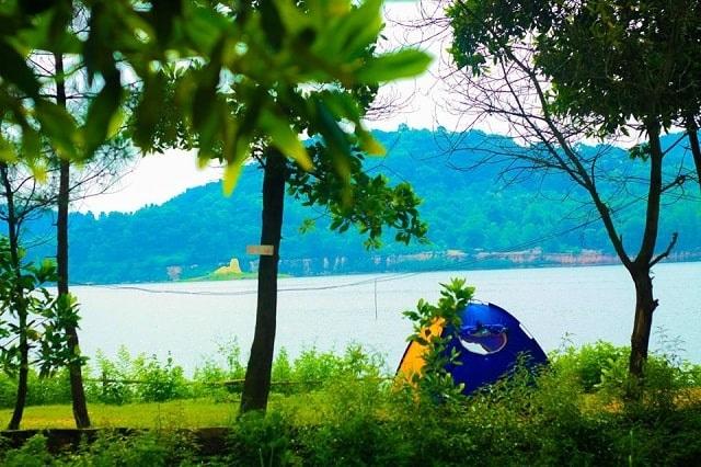 Hồ Đồng Đò thuộc thôn Minh Tân, xã Minh Trí, huyện Sóc Sơn, thành phố Hà Nội
