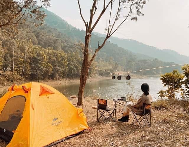 Hồ Đồng Đò trở thành địa điểm du lịch cuối tuần lý tưởng được nhiều bạn trẻ tìm đến