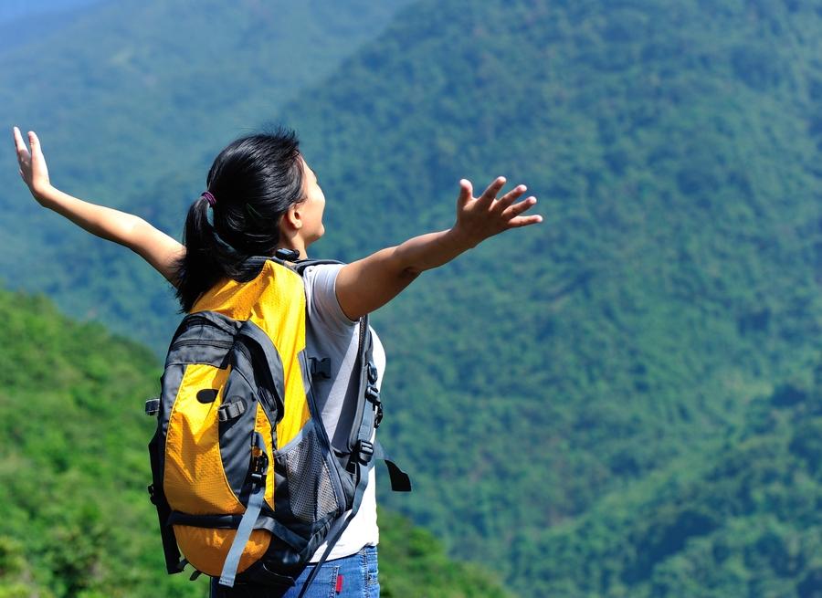Lựa chọn loại ba lô có đệm lưng và chống thấm nước cho chuyến du lịch một mình. Hình: Sưu tầm