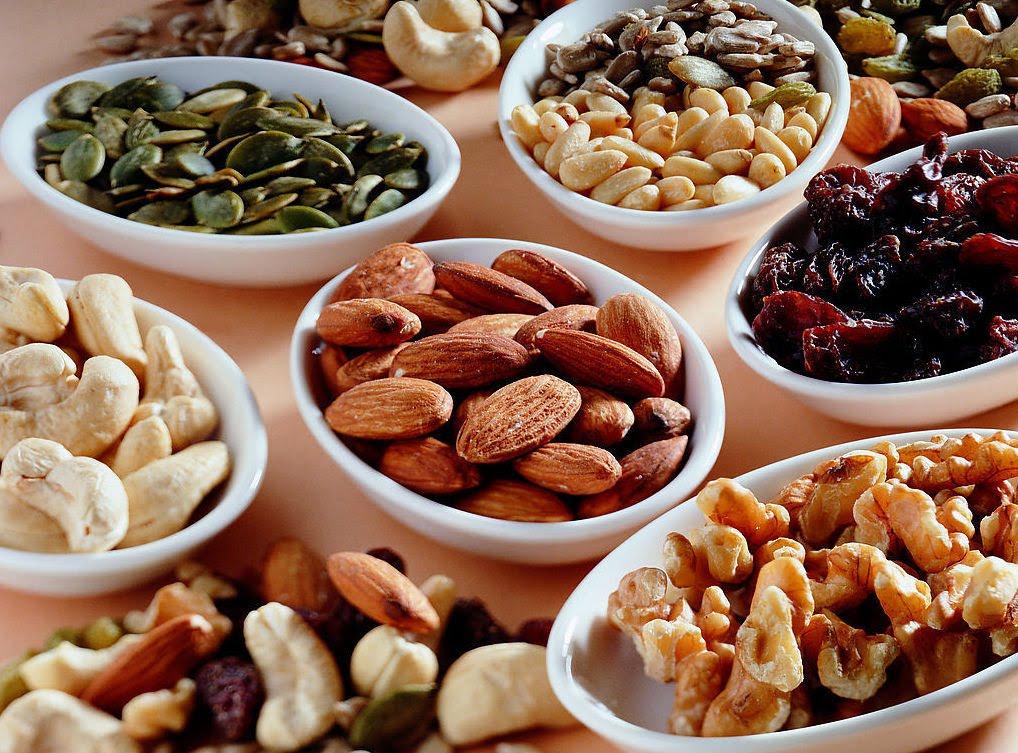 """Các loại hạt sẽ giúp bụng bạn bớt cồn cào, có cảm giác """"ngang bụng"""", hạn chế ăn các món ăn nhiều chất béo khác. Hình: Sưu tầm"""