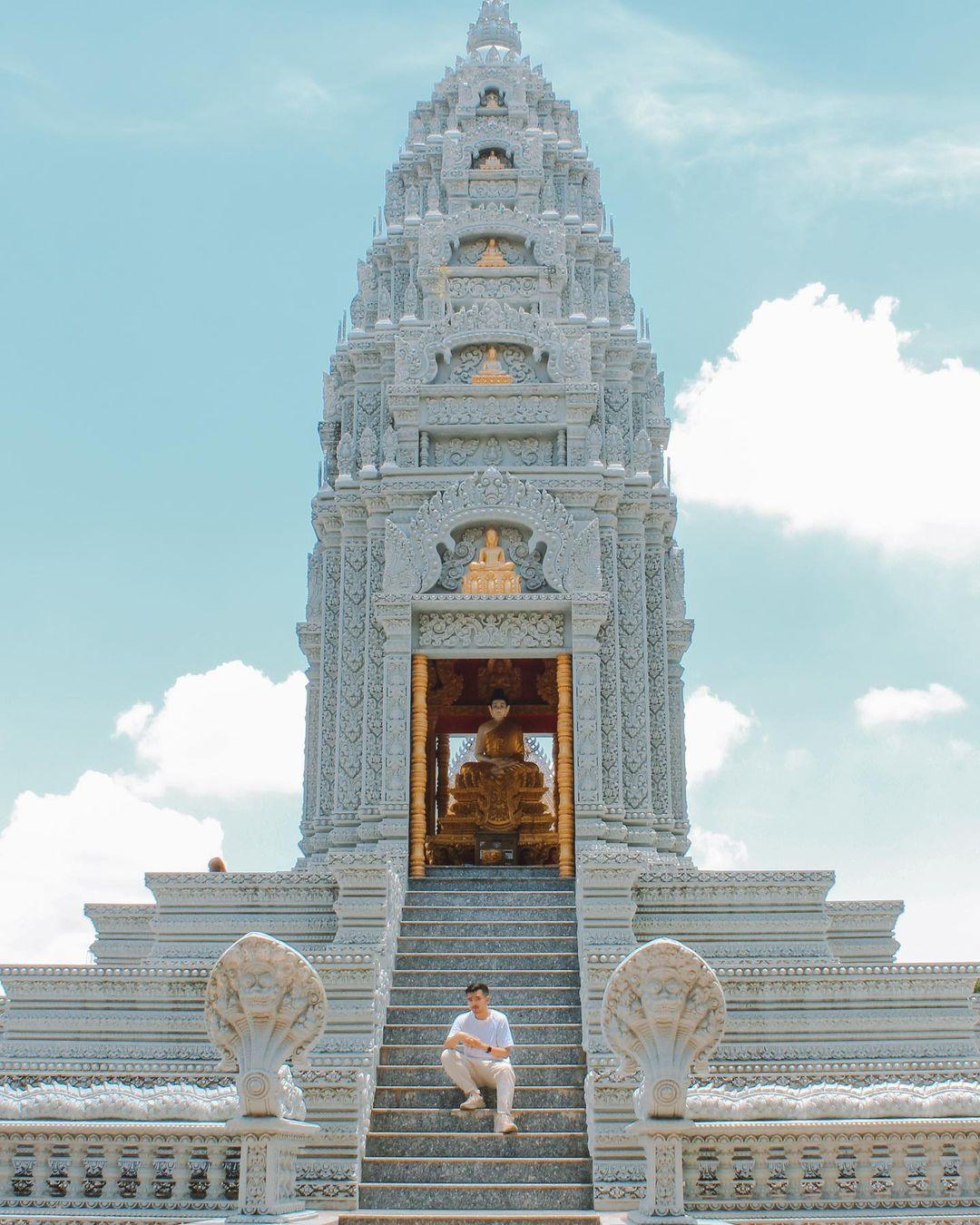 Bảo tháp của chùa Som Rong. Hình: @lythanhco