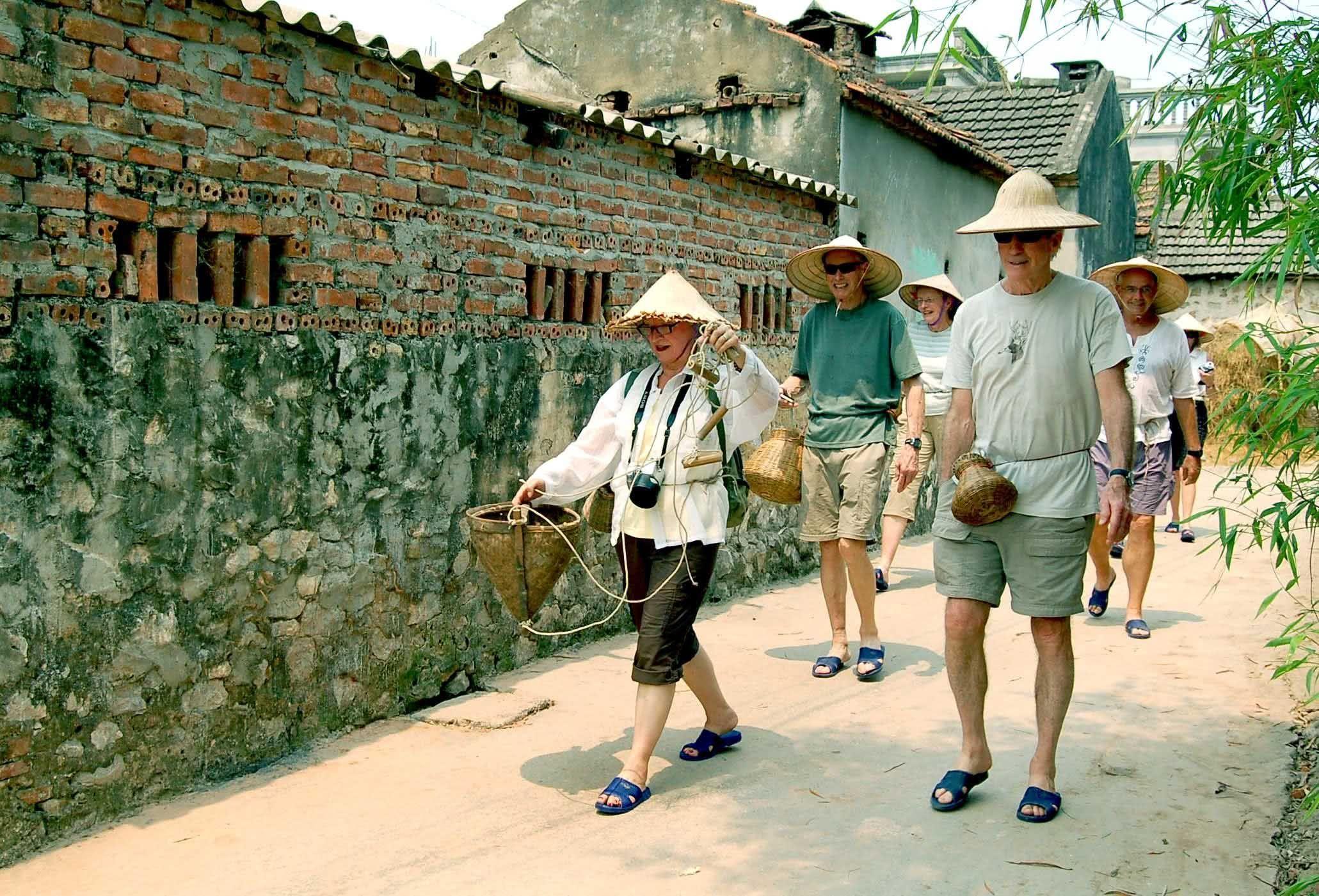 Du lịch làng. Hình: Sưu tầm