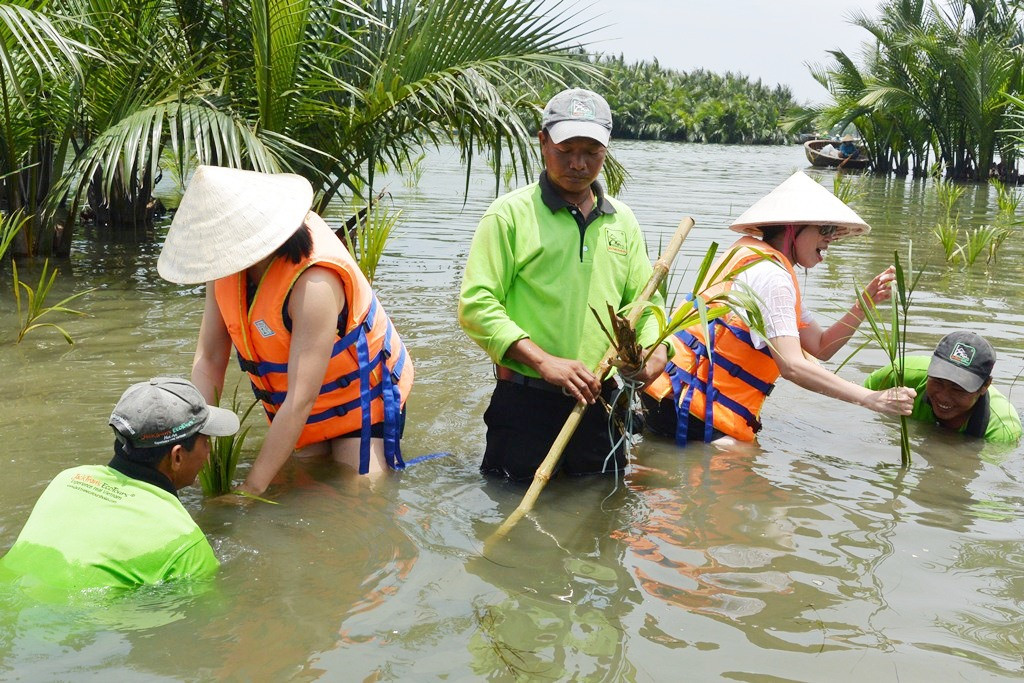 Du lịch cộng đồng nâng cao ý thức bảo vệ môi trường. Hình: Sưu tầm