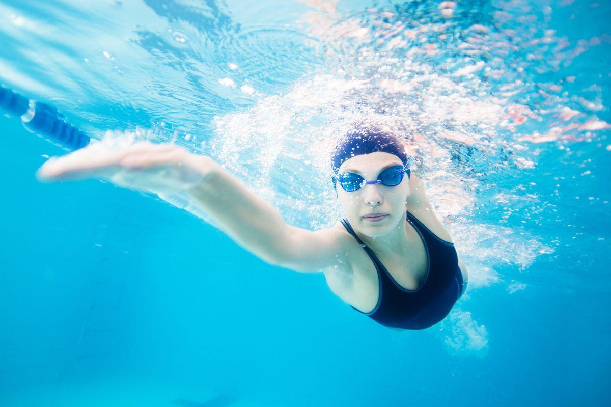 Bí quyết bảo vệ mắt khỏe mạnh khi đi du lịch hè