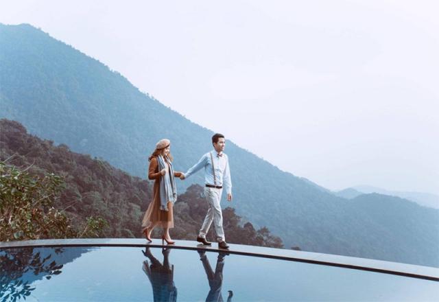 Hồ bơi của Belvedere Resort Tam Đảo hướng ra núi rừng hùng vĩ. Ảnh: Internet