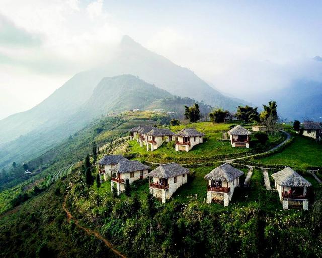 Từ Topas Ecolodge, Sa Pa, bạn có thể chiêm ngưỡng được ngọn núi Phan Xi Băng. Ảnh: Internet