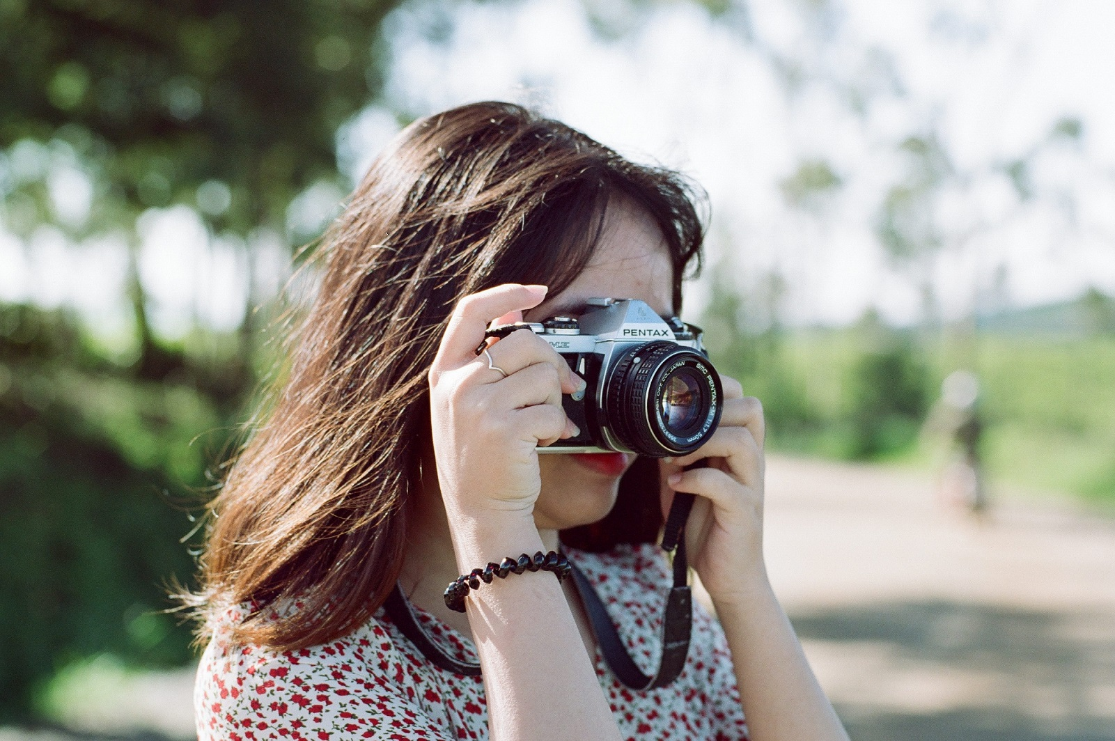 Cần chọn ống kính phù hợp với máy ảnh và mục đích chụp. Hình: Sưu tầm