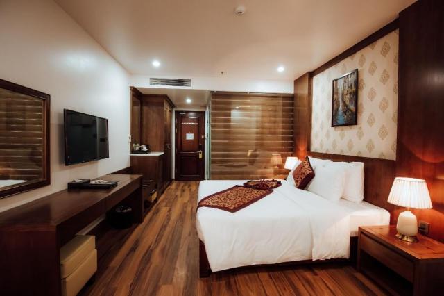 Yêu cầu khách sạn thay mới ga giường, gối, chăn đảm bảo vệ sinh. Ảnh: Internet