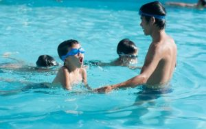 Phòng ngừa đuối nước cho trẻ mùa du lịch hè