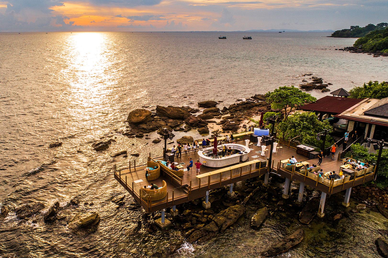 Rock Sunset Island Bar. Hình: Sưu tầm