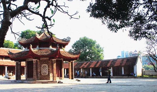 Chùa có địa chỉ tại phố Chùa Láng, Láng Thượng, Đống Đa, Hà Nội