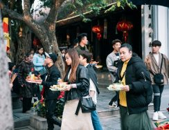 """5 ngôi chùa cầu duyên linh thiêng ở Hà Nội giúp bạn """"thoát ế"""""""