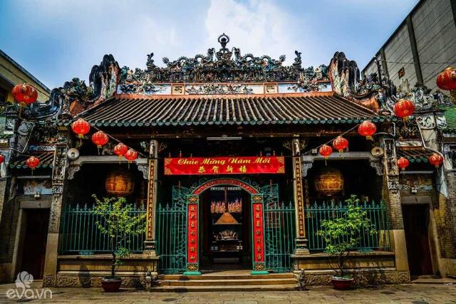Những ngôi chùa cầu duyên nổi tiếng linh thiêng ở Sài Gòn