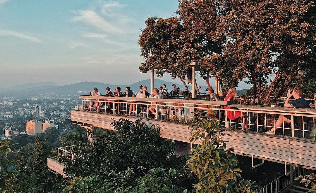 Ngắm Phú Quốc từ trên cao ở Chuồn Chuồn Bistro & Sky Bar - Nguồn ảnh: Internet