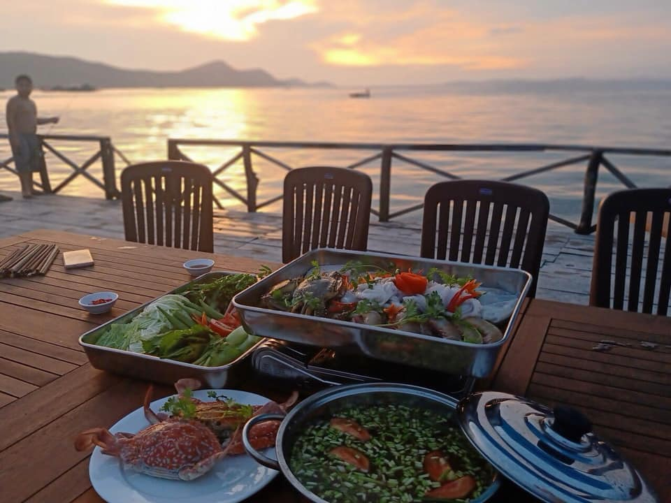 """Thưởng thức món ngon hải sản, ngắm biển cực """"chill"""" - Nguồn ảnh: Internet"""