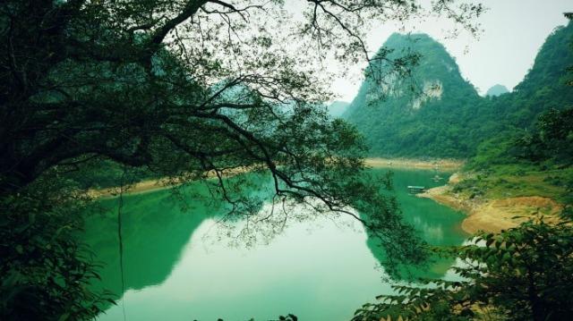 Một góc hồ Thang Hen. Ảnh: Internet