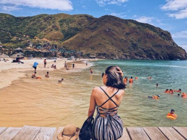 Phải bảo vệ da cẩn thận khi đi du lịch hè ở vùng biển nắng gắt. Ảnh: Internet