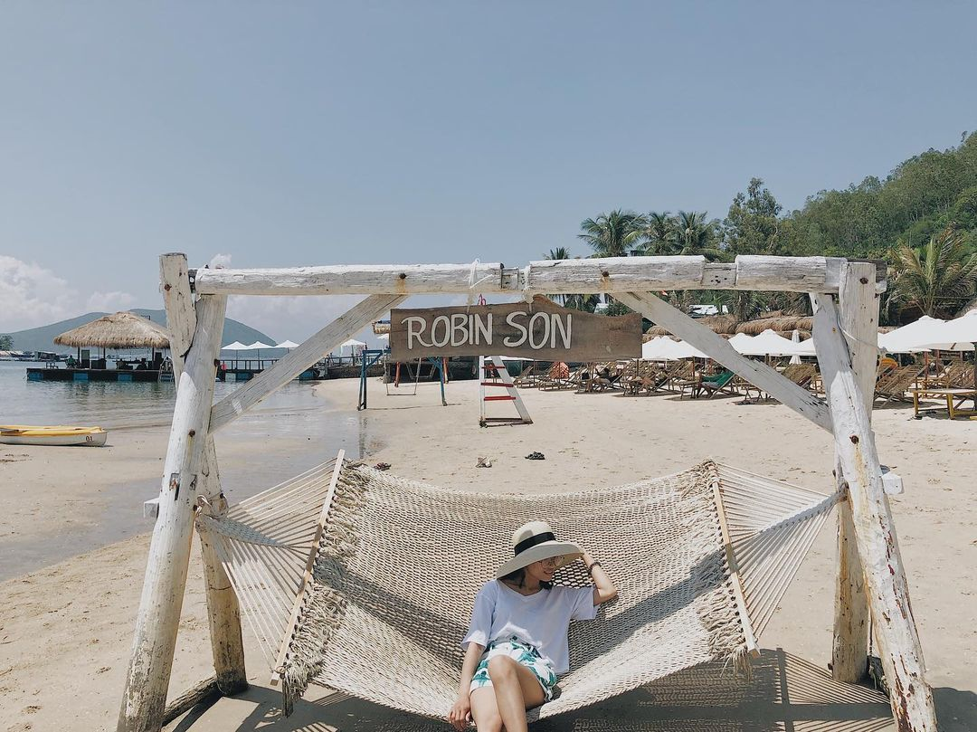 Những góc check-in trên đảo Robinson. Hình: @phuonglinh.np996