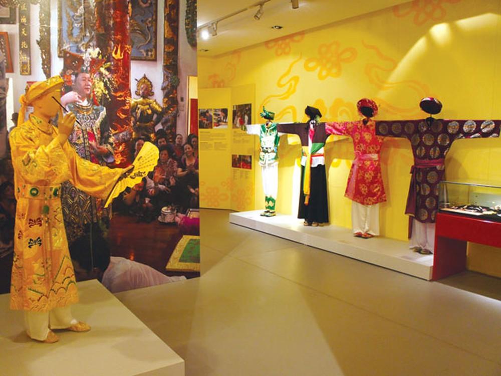 Bảo tàng trưng bày các trang phục truyền thống của phụ nữ Việt Nam. Hình: Sưu tầm