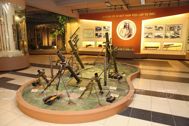 Các loại vũ khí ở khu trưng bày. Hình: Sưu tầm