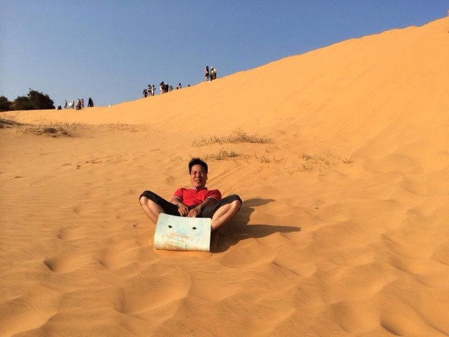 Trượt cát ở Mũi Né. Ảnh: Internet