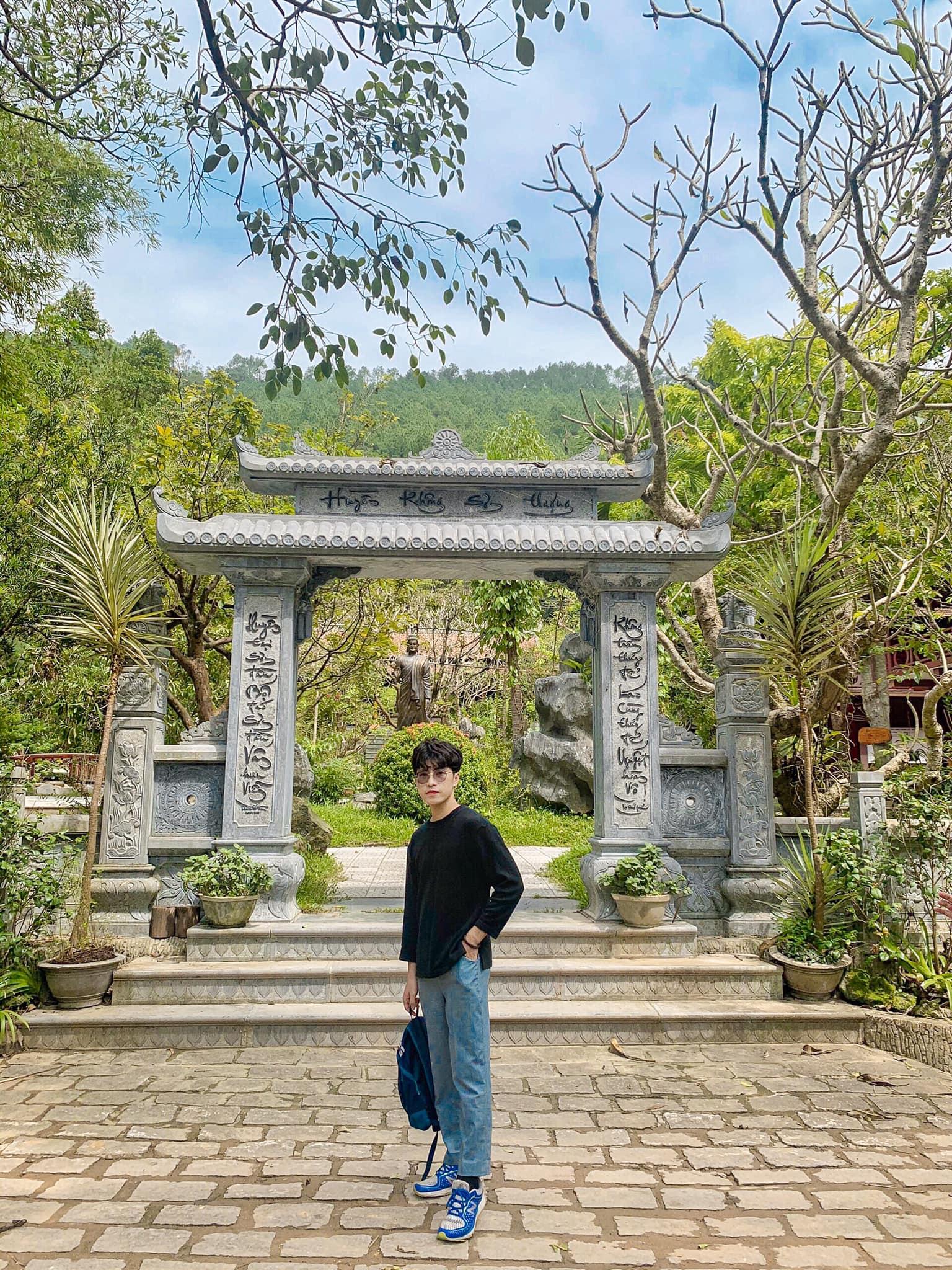 Chùa Huyền Không Sơn Thượng. Hình: Phan Bá Lộc